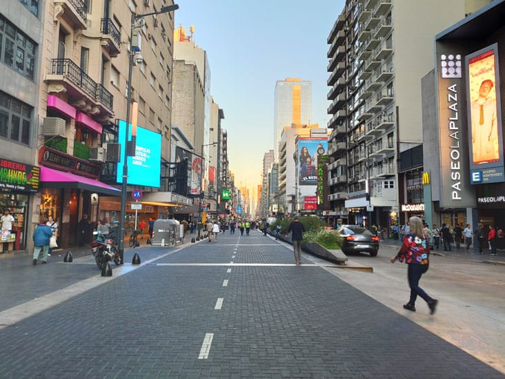 corriente avenue a lively avenue
