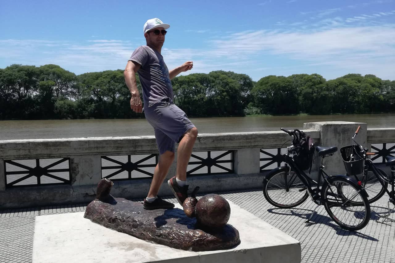 Posing as a football player at Costanera Sur during a Bike Tour