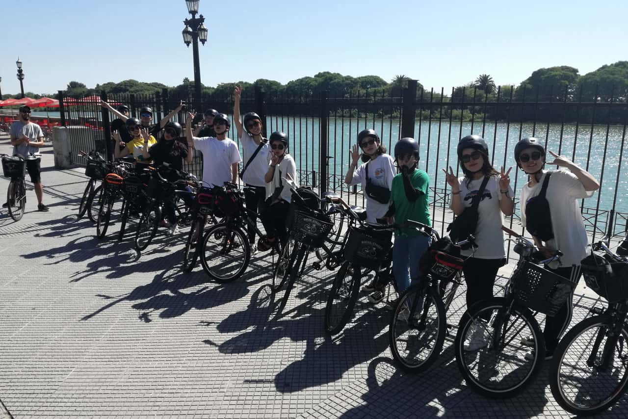 Posing for a group picture at Costanera Sur Walk during a Private Bike Tour