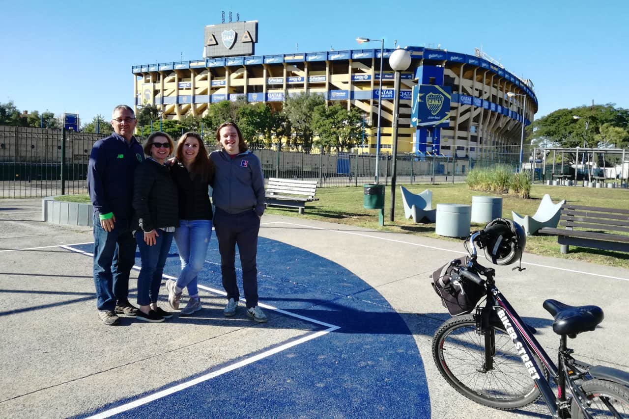 Family photo during a Bike Tour in Buenos Aires