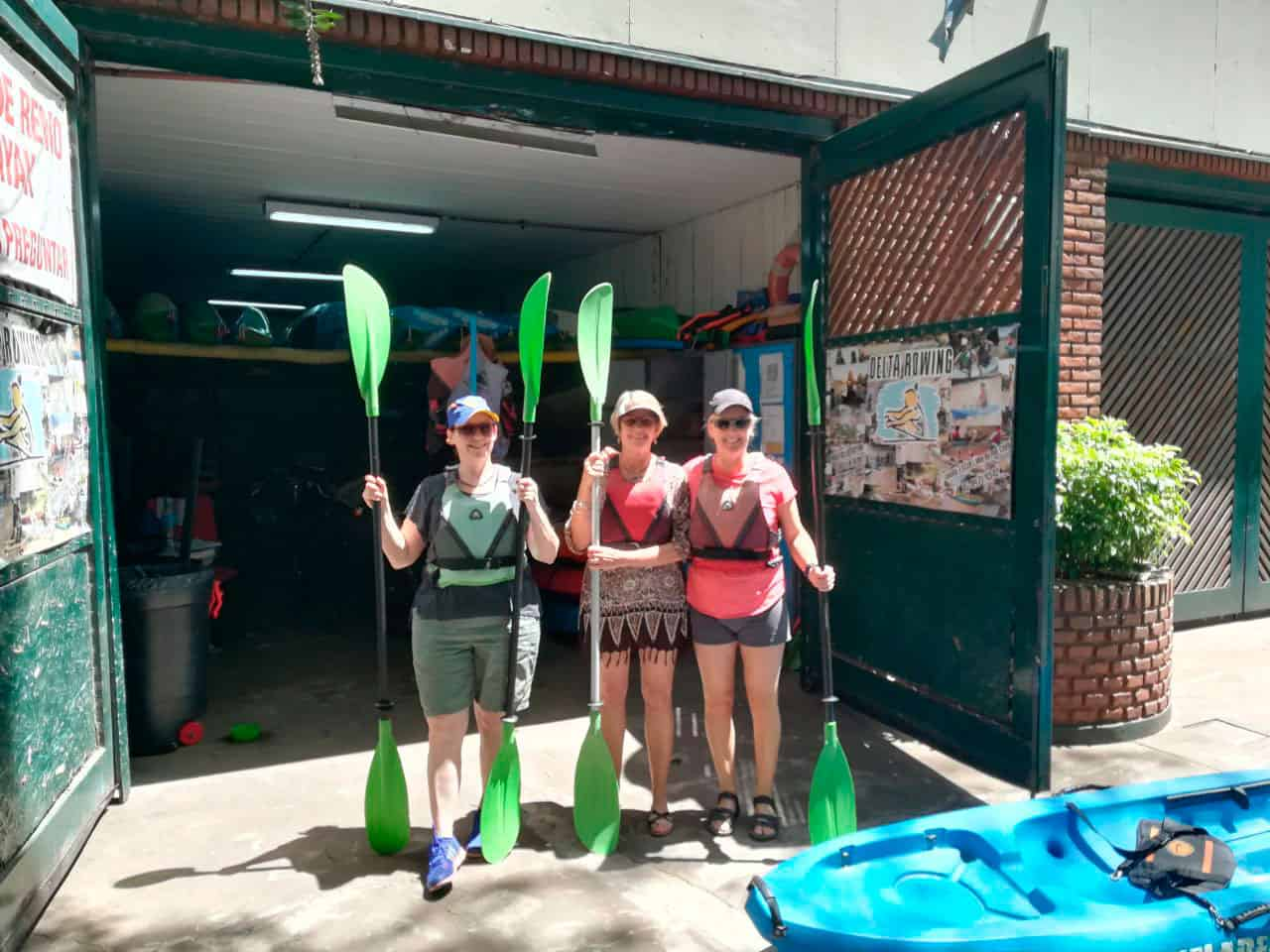 Group of girls ready to row in Tigre, Buenos Aires.