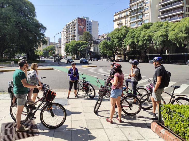 Bici Tours Guiados en solo un idioma