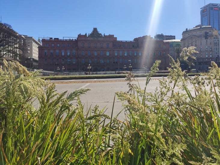 Contrafrente de Casa Rosada vista desde el Paseo del Bajo
